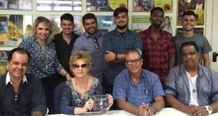 Viva Adoração, Contrato MK Music, Ivelize de Oliveira, Distribuição Digital