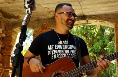 """Thiago Augustho lança """"Ele Se Deu à Morte"""", single especial de Páscoa"""