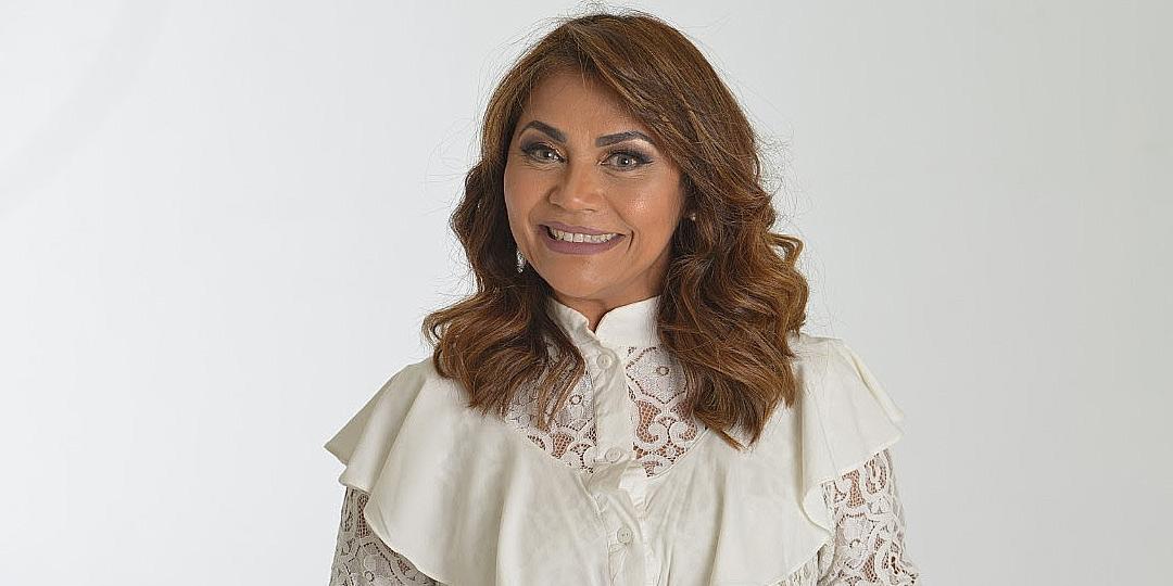 Raquel Mello lança o clipe da canção