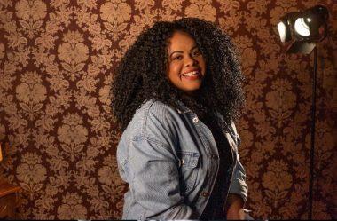 """Sarah Fernandes apresenta a canção """"REI"""" pela Eleve Records"""
